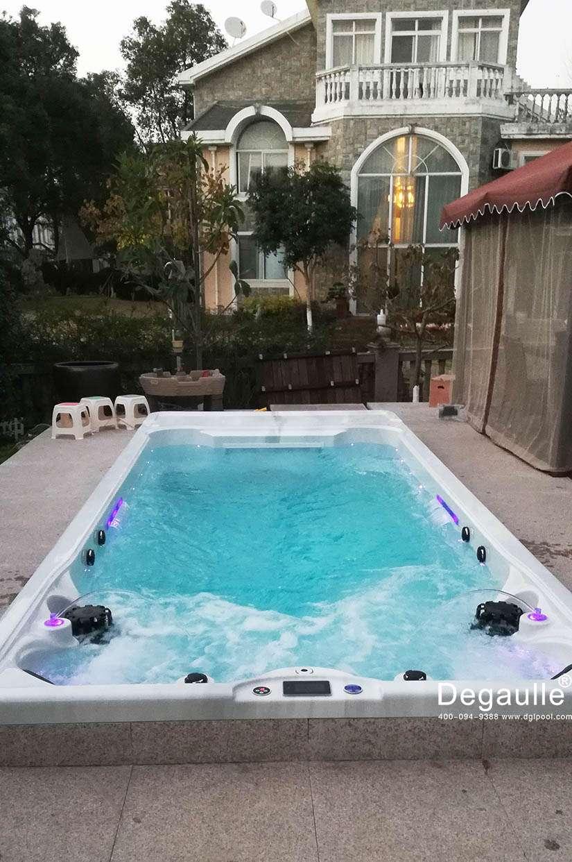 戴高乐无边际泳池